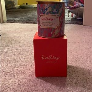 Lilly Pulitzer lager candle - Sparking Sands scent